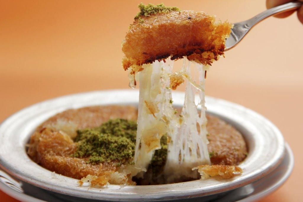 turkish desserts - kunefe