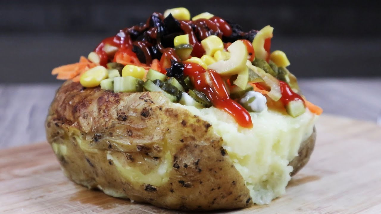 turkish fast foods - kumpir, baked potatoe