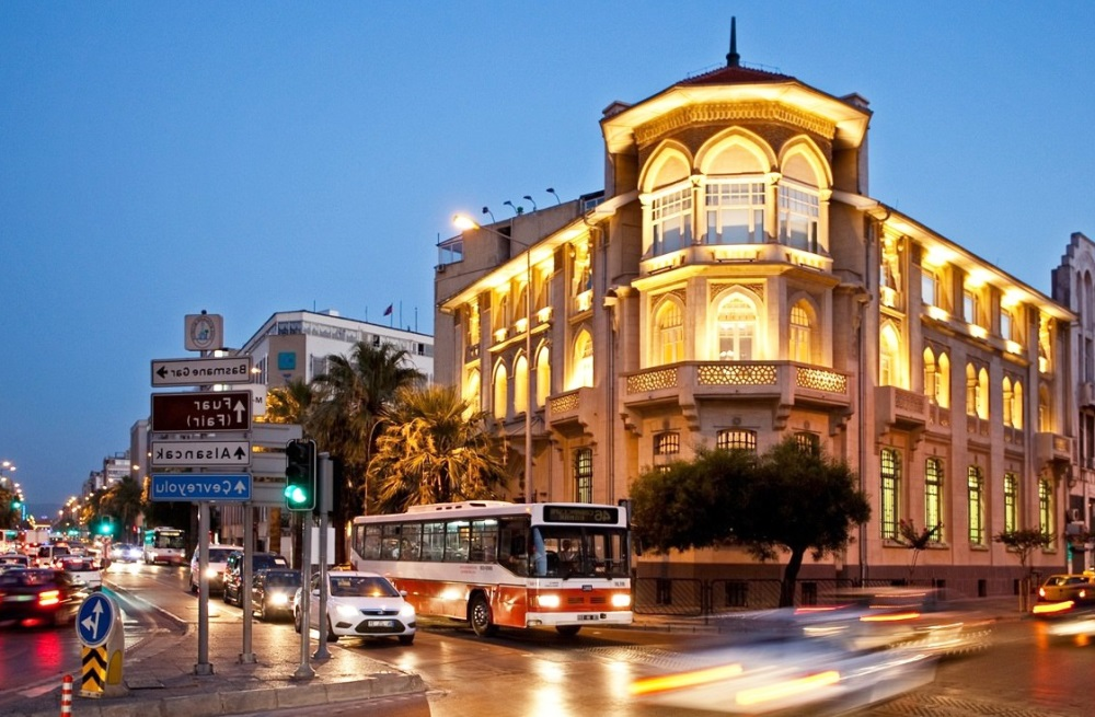 walking tour in izmir city center